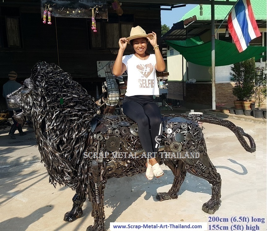 Lion statue for sale, life size metal Lion sculpture - Metal Animal Art from Thailand